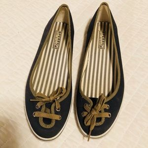 Sperry slip on navy and green flats